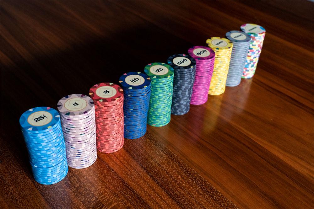 Classic Casino Poker Chips (3)